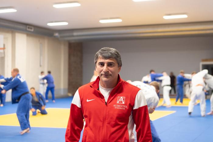 Vladimir Stepanjan